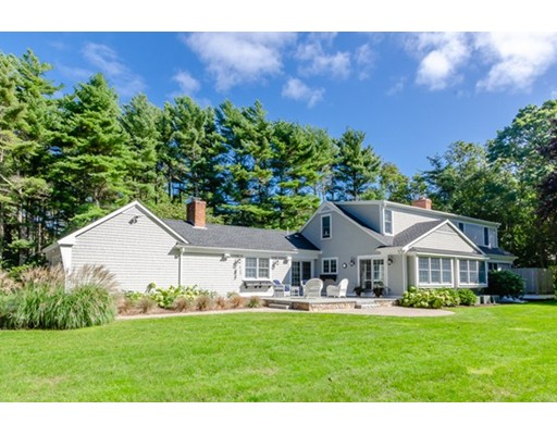 18 Register Road, Marion, MA