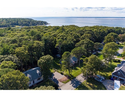 1 Beacon Point Road, Bourne, MA