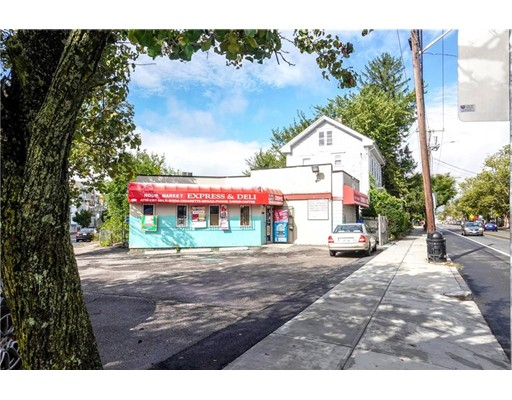 316 & 326 Smith St, Providence, RI 02908