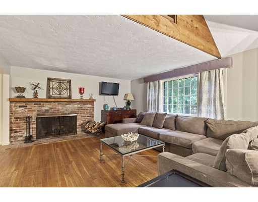 33 Old Pottery Lane, Norwell, MA