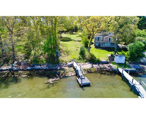 394/398 River Road Westport MA 02790