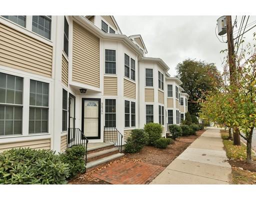 5271 Washington Street, Boston, MA 02132
