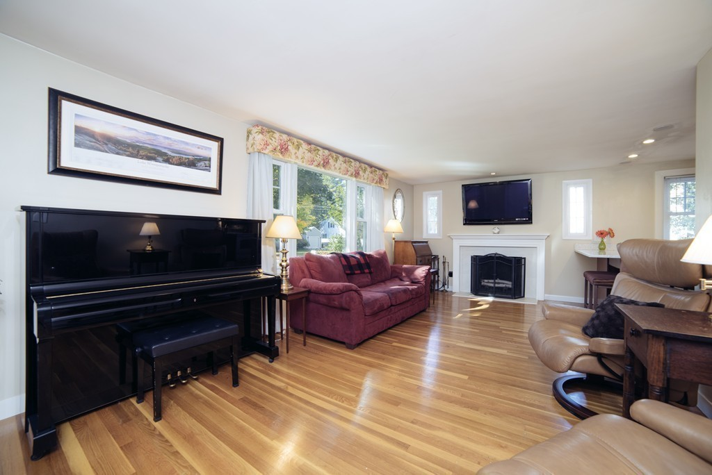 22 Ortins Rd Hamilton 01982 Churchill Properties