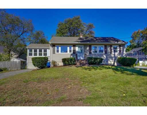 32 Hampden Avenue, Burlington, MA