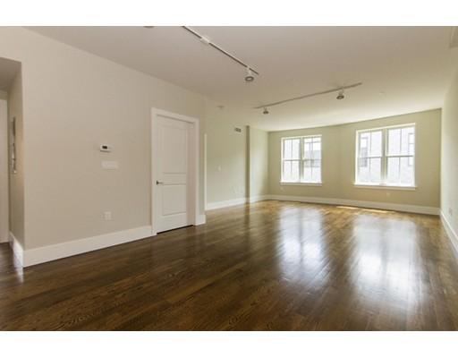 10 St. George Street, Boston, MA 02118