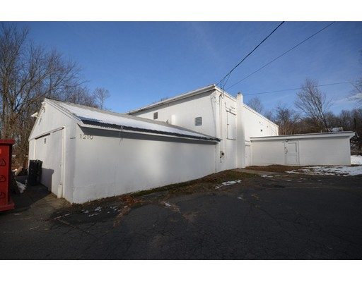 1210 Bay Road, Amherst, MA 01002