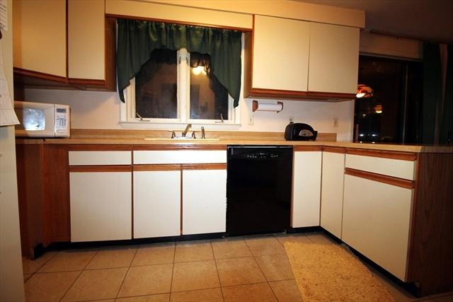 8 Pilgrim Dr, Westford, MA, 01886, Middlesex Home For Sale