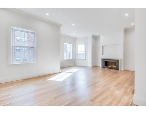Condominium/Co-Op for sale in 67 Saint Botolph Street, 4 PH Back Bay, Boston, Suffolk