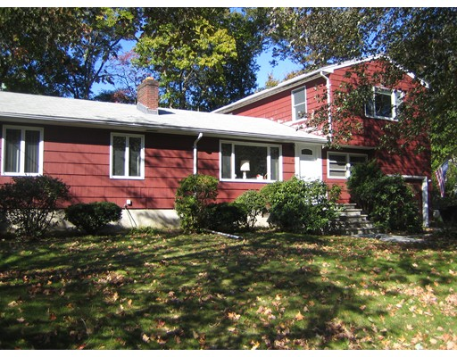 6 Huckleberry Road, Lynnfield, MA
