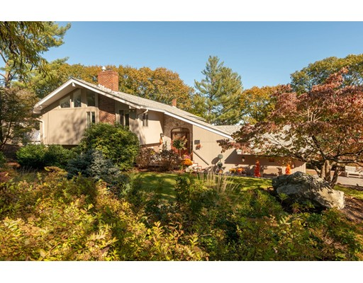 17 Hickory Hill Road, Wakefield, MA