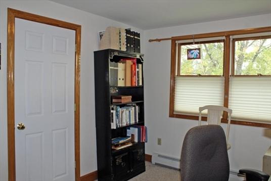 8 Frederick Road, Greenfield, MA: $169,900