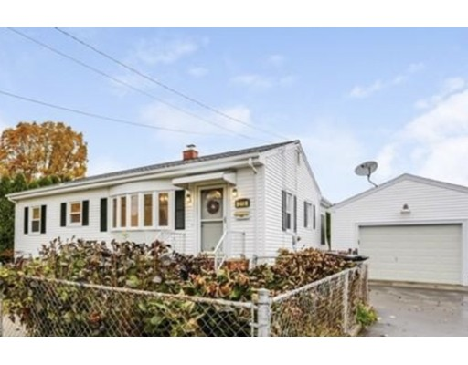 215 Rogers St, Dartmouth, MA 02748