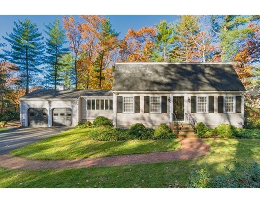 17 Woodridge Road, Dover, MA