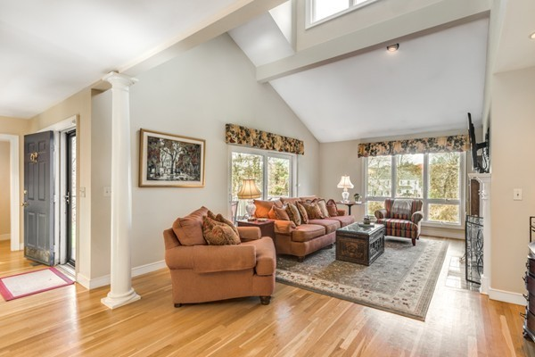 20 Hopewell Farm Road, Natick, MA, 01760, Middlesex Home For Sale