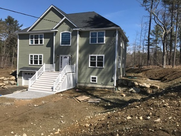 21 Peabody Street, Middleton, MA, 01949, Essex Home For Sale