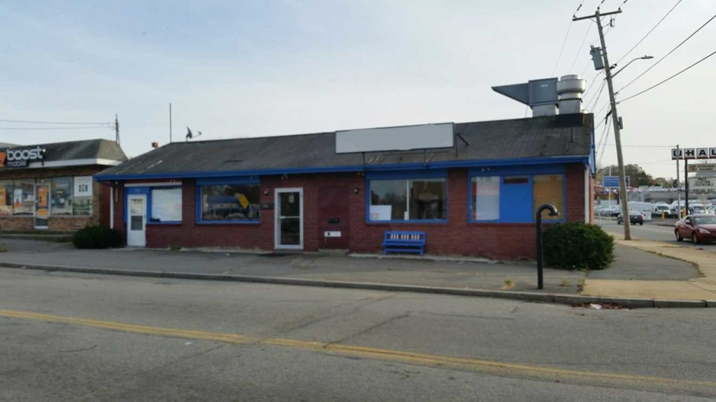 New Bedford North: 2 unit Commercial building on a corner lot with high traffic intersection.  Mixed use business zoned with a lot of commercial properties nearby and within close proximity to NB Airport and highways.  All city utilities and separate. Roof and electric are only a few years old. (463C).