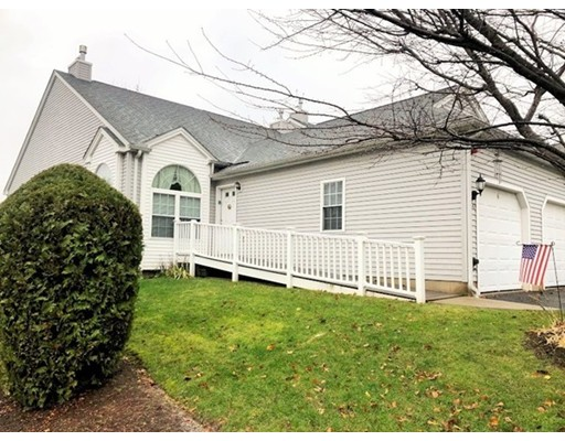 136 Brookfield Lane, Agawam, MA 01001