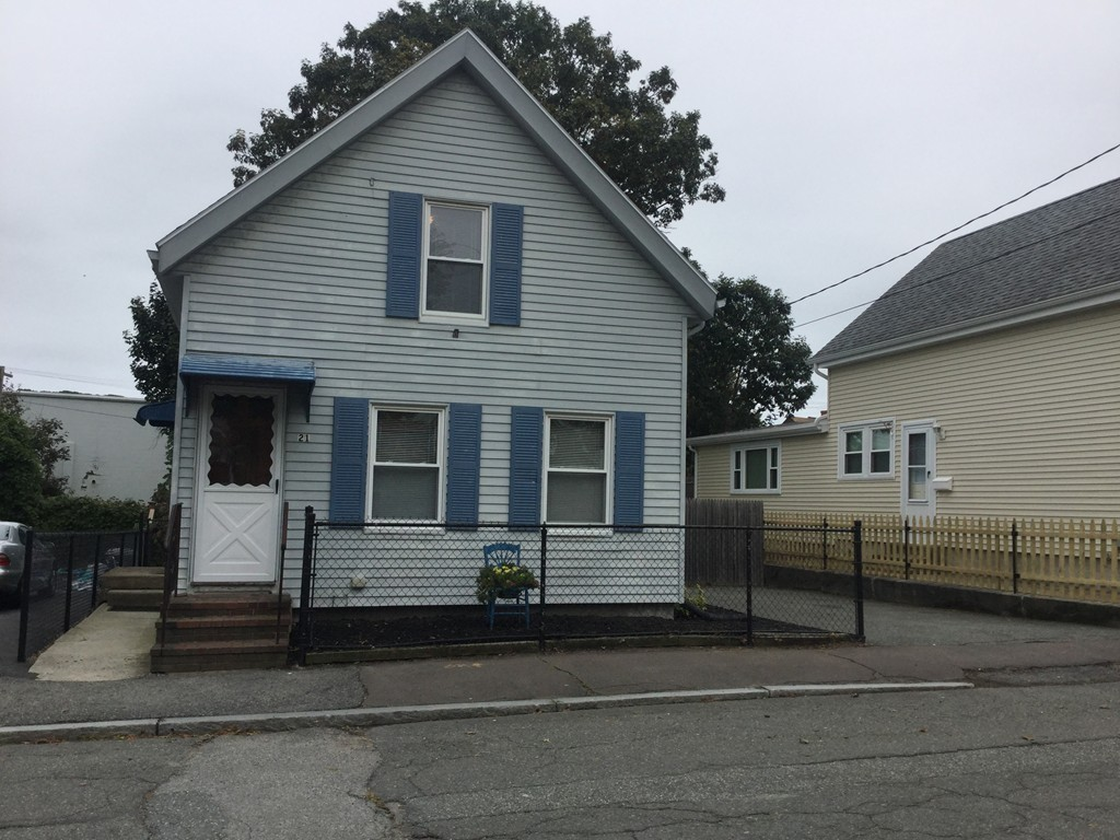 21 WILLOW, GLOUCESTER, MA 01930