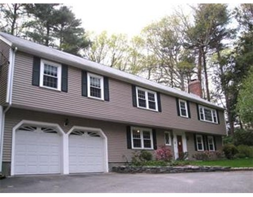 11 Brookfield Road, Dover, MA 02030