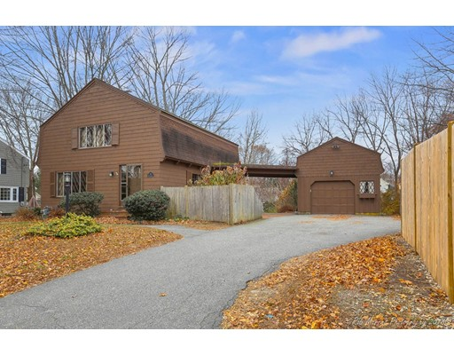 8 Howell Drive, Andover, MA