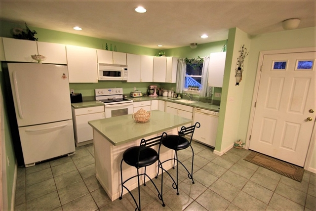 2 Carnation Cir, Reading, MA, 01867, Middlesex Home For Sale
