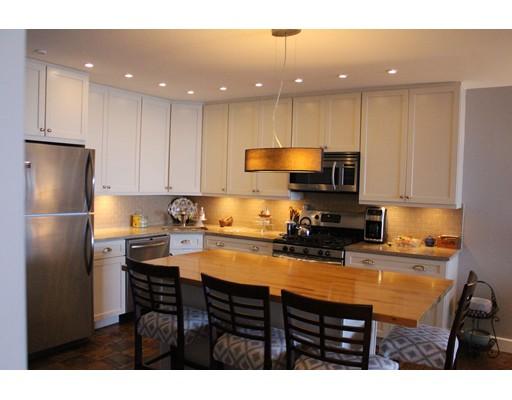 8 Whittier Place 14 Boston MA 02114 | MLS 72426887