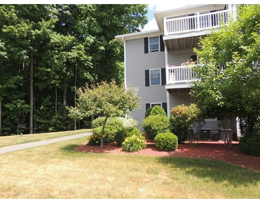 24 Greenleaves Drive, Amherst, MA 01002