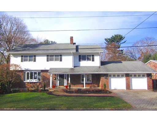 108 Pine Ridge Road, Medford, MA
