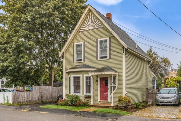 18 Border St, Winchester, MA, 01890, Middlesex Home For Sale