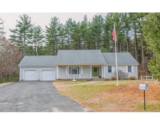 7 Tree Top Lane, Southwick, MA