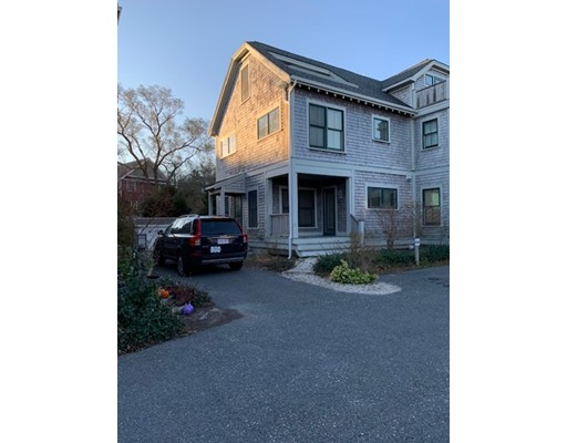 4 Meadow Road, Provincetown, MA 02657