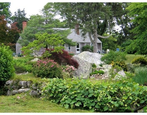 15 Crowell Ln 1, West Tisbury, MA 02575