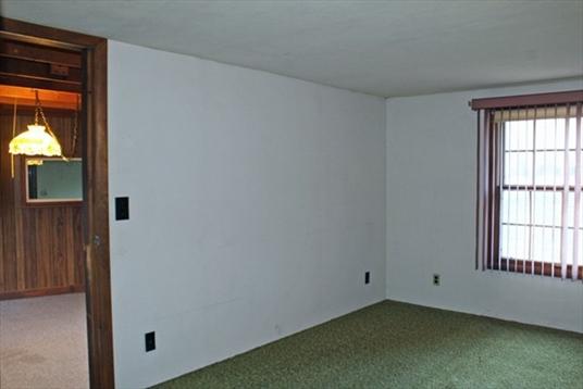 125 South Shelburne Road, Greenfield, MA: $219,900