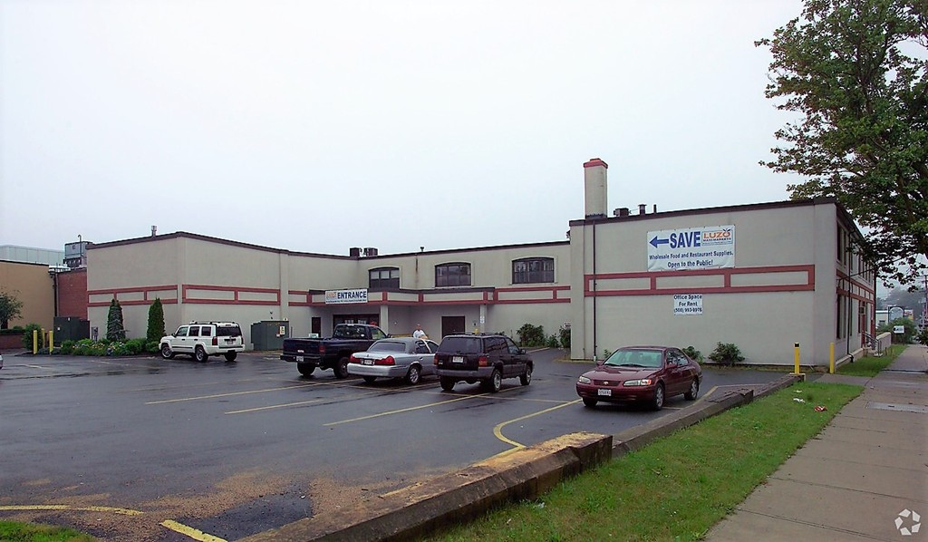 State-of-the-Art 17,000 SF Cold Storage Warehouse with 2 loading dock doors, 32' ceilings and 42,609 SF Warehouse Flex Space. 4 -12' service loading dock doors in rear with Gross Modified Lease. Well established, credit worthy tenants in place. Plenty of parking on busy route near highways and a short distance to the #1 Fishing Port in the US