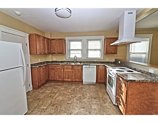 200 Woodside Avenue, Winthrop, MA 02152