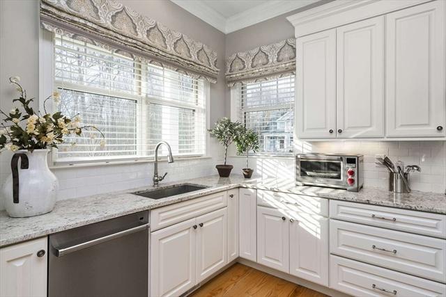 18 Davenport Ln, Hopkinton, MA, 01748, Middlesex Home For Sale