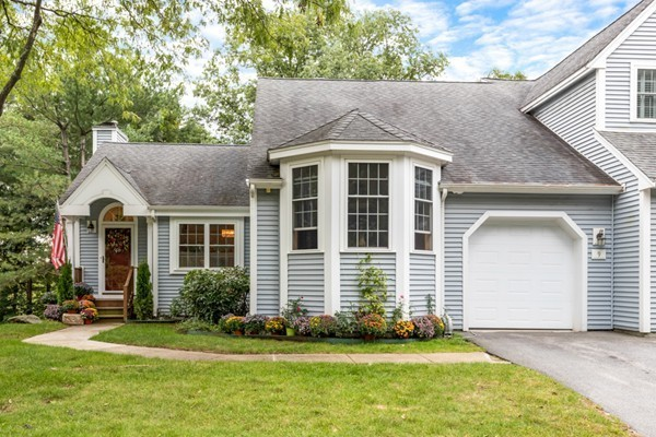 9 Treetop Ct, Burlington, MA, 01803, Middlesex Home For Sale