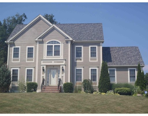 7 Mockingbird Lane Dracut MA 01826
