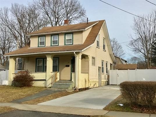23 Western Ave, Greenfield, MA: $153,500