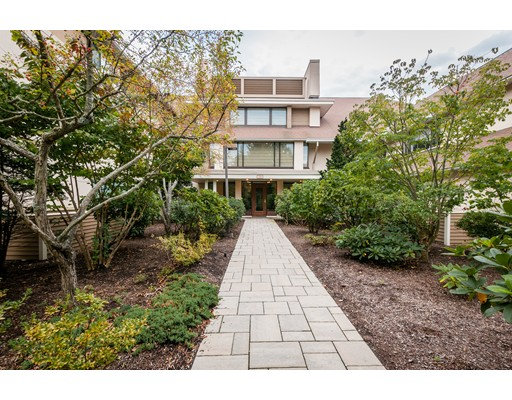 RARELY AVAILABLE -- HUGE ONE LEVEL condominium for SALE in desirable Allandale Farm Community on the Boston/Brookline line in Chestnut Hill. Elegant gated community, situated on 43 beautifully maintained wooded acres. This large, single level (2955 sq ft) renovated sunny unit has 2 bedrooms + den, 2.5 bathrooms, kitchen, living room, dining room, private balconies, in-unit laundry, large walk-in closet, high ceilings & hardwood floors. Condo fee includes all modern amenities & conveniences (pool, tennis court, clubhouse, guest parking) including 24 hour security, storage room and 2 tandem indoor parking spots (perfect for those New England winters!). A pet friendly complex located across Allandale Farm. Great access to Boston's renowned medical centers, financial centers, innovative districts, and universities - including Arnold Arboretum of Harvard University. Easy access to shopping and dining options nearby. LUXURY LIVING AT ITS BEST.