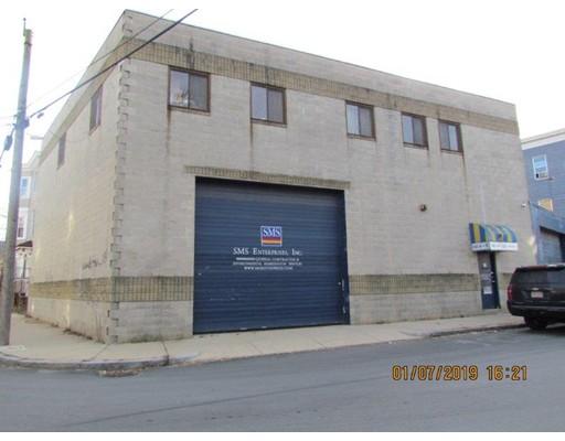 60 Brook St, Lawrence, MA 01841