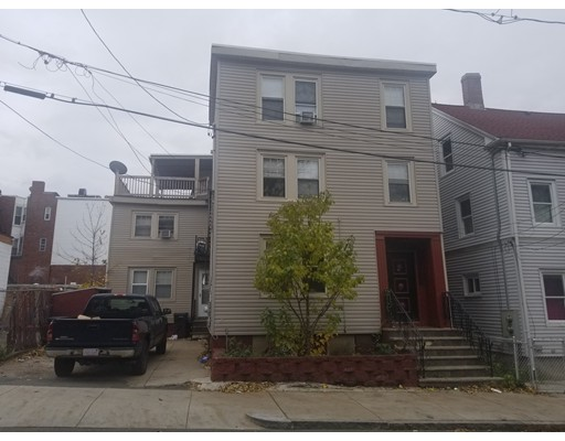 10 Blossom Street, Chelsea, MA 02150