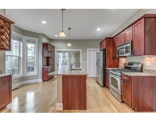 32 Dartmouth Street, Somerville, MA 02145