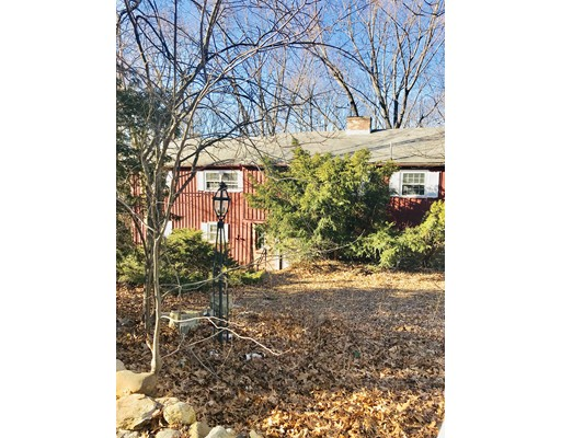 33 Maugus Hill Road, Wellesley, MA