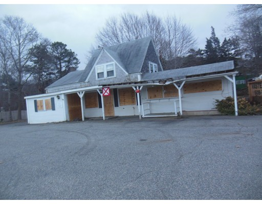 226 Cranberry Highway, Bourne, MA 02532