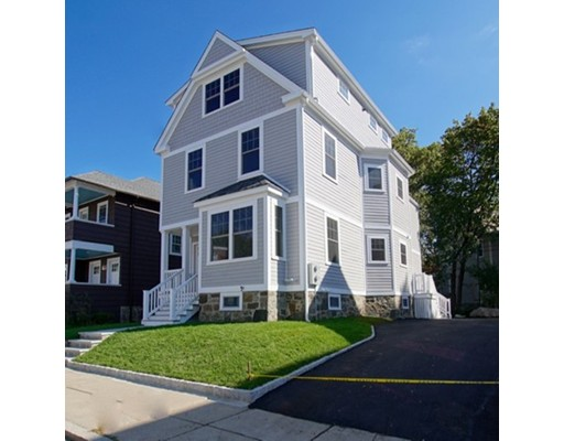 10 Newburg, Boston, MA 02131