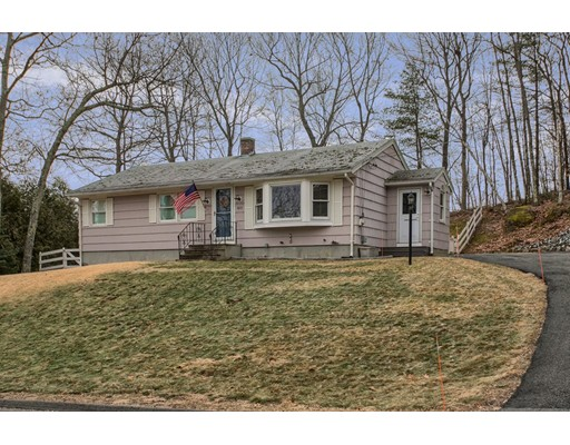 433 Quinapoxet Street, Holden, MA