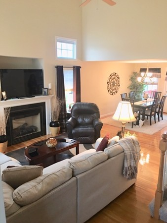 8 Royal Ave, Dracut, MA, 01826, Middlesex Home For Sale