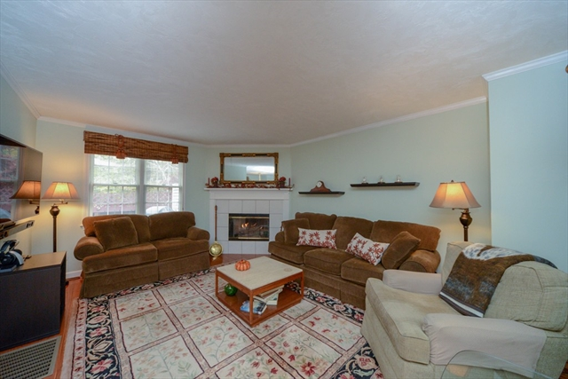 33 Forest Ln, Hopkinton, MA, 01748, Middlesex Home For Sale