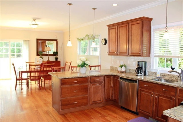 16 Gates Ln, Wakefield, MA, 01880, Middlesex Home For Sale